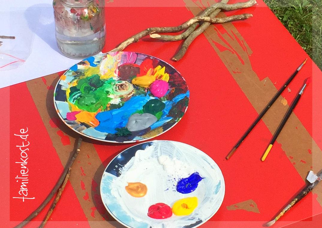 Gebt Einfach Einen Klecks Jeder Farbe Die Ihr Verwenden Wollt Auf Einen  Alten Teller Und Ihr Könnt Wunderbar Alle Farbtöne Mischen.
