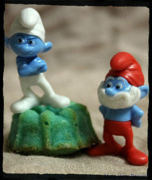Bunte Schlumpf-Mini-Kuchen