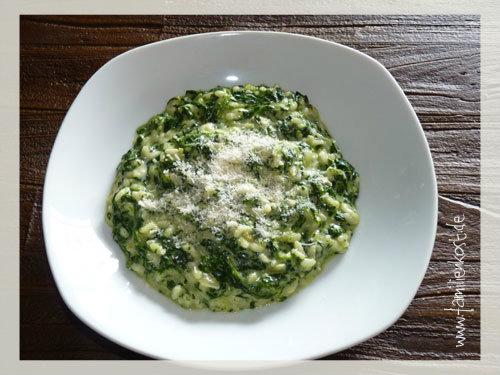 Grünes Risotto mit Spinat und Gorgonzola