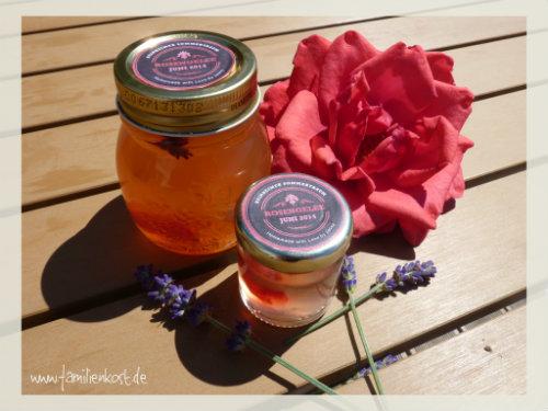 Selbstgemachtes Rosengelee mit einem Hauch Lavendel