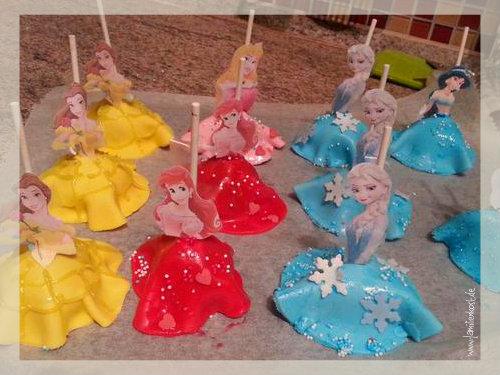 Prinzessin Cake Pops Als Kuchen Fur Den Kindergeburtstag