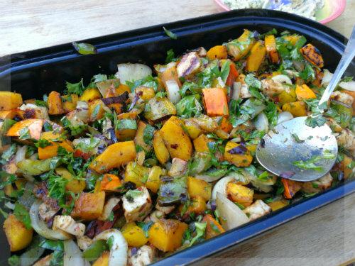 Grillgemüse Salat mit Backkäse