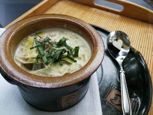 Käse-Lauch Suppe mit Hackfleisch