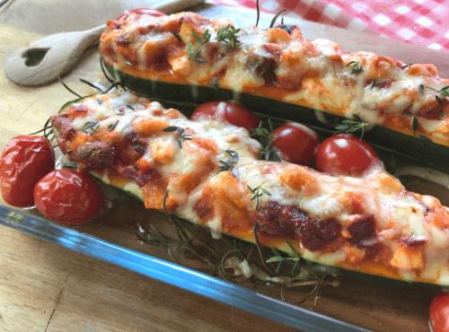 Vegetarisch gefüllte Zucchini