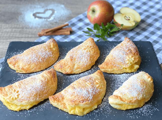 Apfel-Blätterteigtaschen mit Vanille