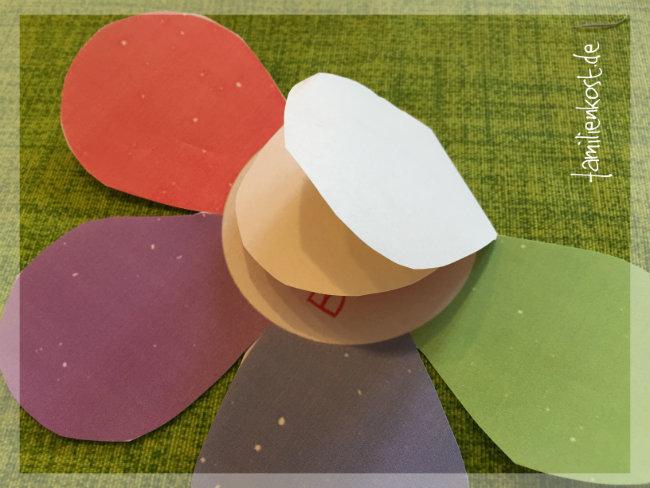 zauberblume aus papier basteln vorlage die in wasser aufgeht. Black Bedroom Furniture Sets. Home Design Ideas